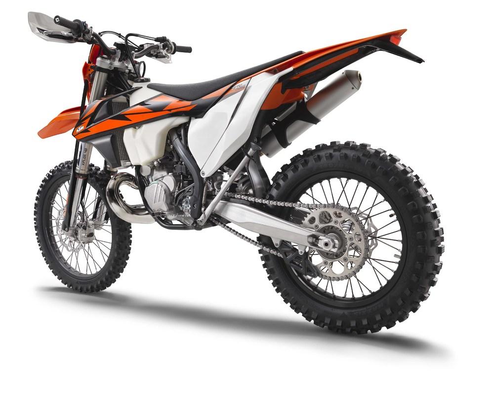 2018-KTM-250-300-EXC-TPI-dirt-bike05.jpg