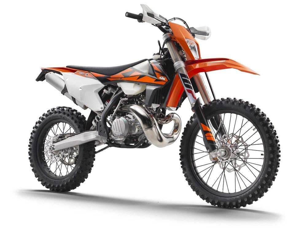 2018-KTM-250-300-EXC-TPI-dirt-bike07.jpg