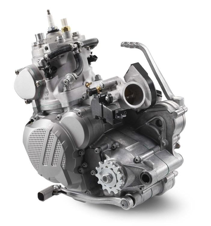 2018-KTM-250-300-EXC-TPI-dirt-bike24.jpg