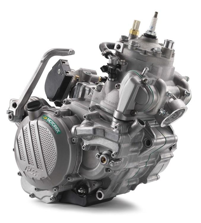 2018-KTM-250-300-EXC-TPI-dirt-bike25.jpg