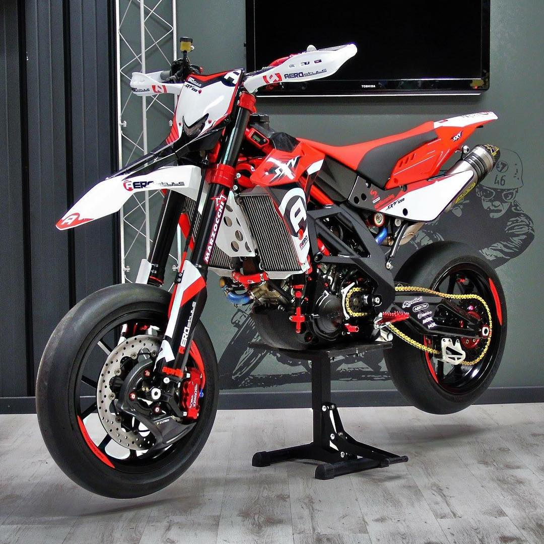 aprilia sxv und smxv wemsporn supermoto bilder page 20 aprilia powerwheelie supermoto forum. Black Bedroom Furniture Sets. Home Design Ideas
